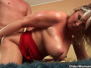 Mature soccer mom with natural big tits gets fucked