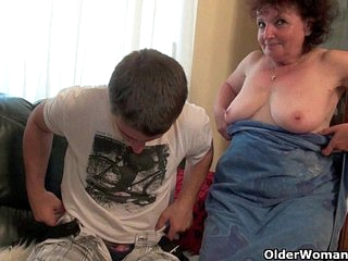 Mom is made for unloading cocks