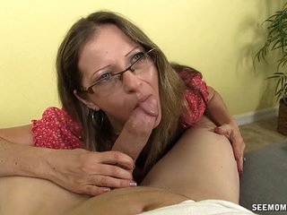 Super Hot Milf Loves Sucking Cocks