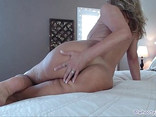 Hot Mature Mom On Cam Anal Fuck Show
