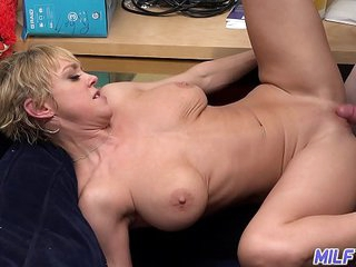 MILFTRIP Big Tit Mom Dee Williams Wet Pussy Pounded